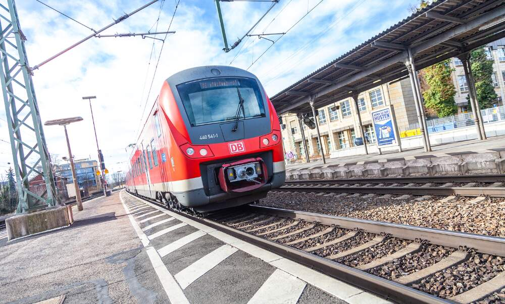 10 smart tips for cheap train travel in Germany