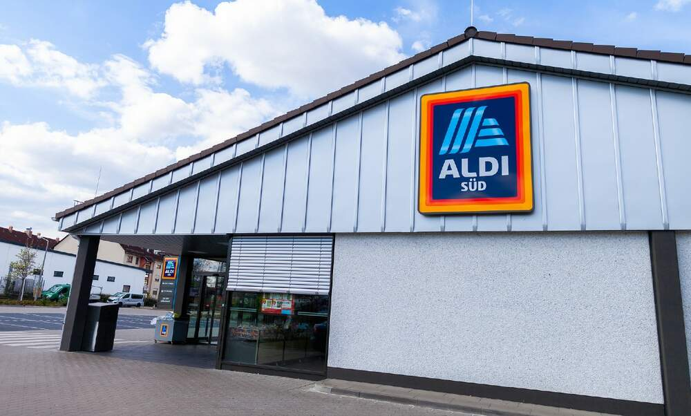 Aldi decides to grow herbs directly in their supermarkets