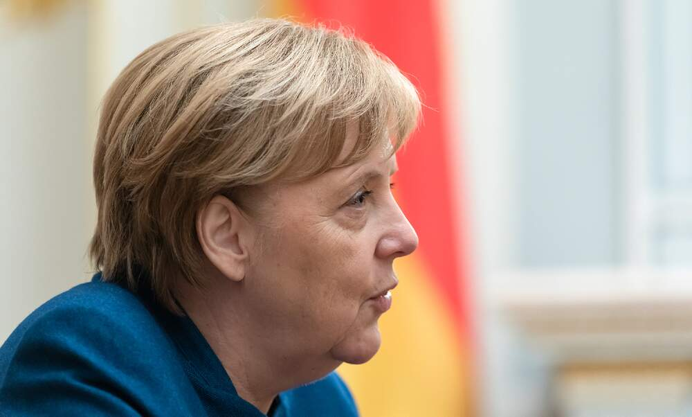 Germany has 8 to 10 difficult weeks ahead, says Angela Merkel