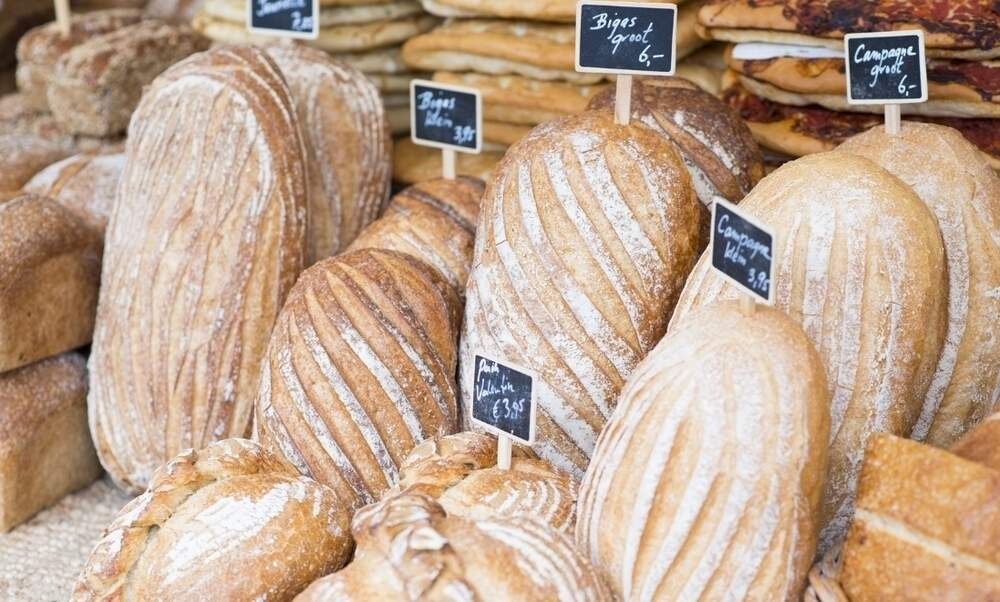 "Berlin baker threatened with 25.000 euro fine for writing ""KG"" instead of ""kg"""