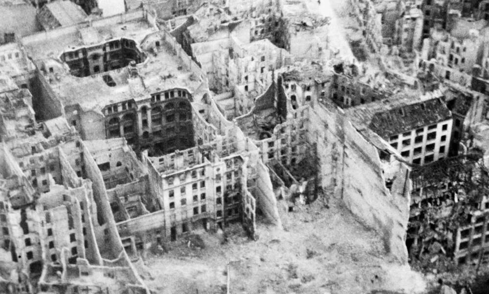 [Video] VE Day: Berlin in ruins at the end of World War II