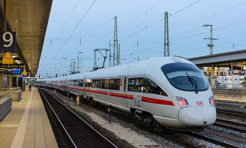 Deutsche Bahn slashes price of BahnCard 25 by more than half