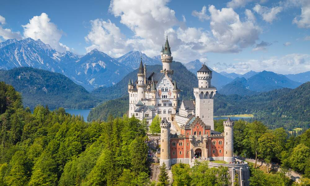 [Video] Explore fairytale Neuschwanstein Castle in 360 degrees