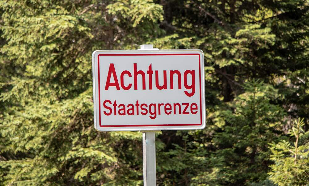 Germany closes border to parts of Czechia and Austria