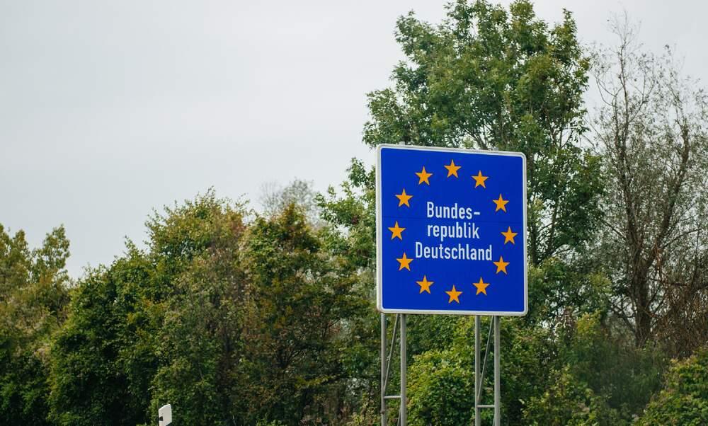 German-Austrian border to reopen in mid-June