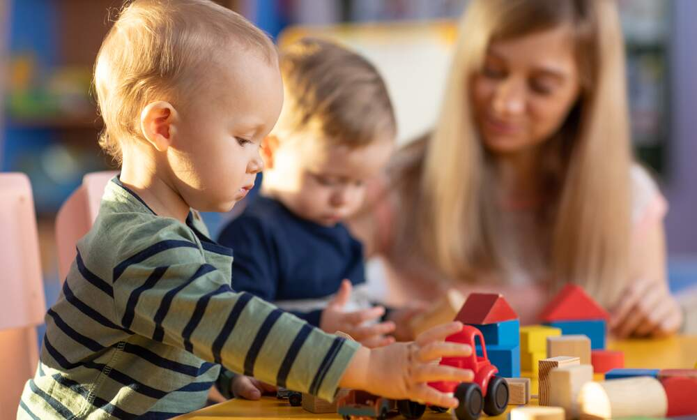 Kita study: Germany needs 106.500 more childcare workers
