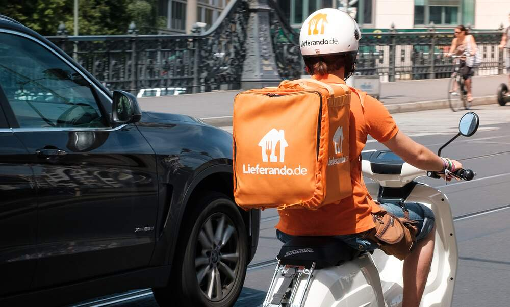 """Coronavirus: Lieferando starts new """"contactless"""" delivery service"""