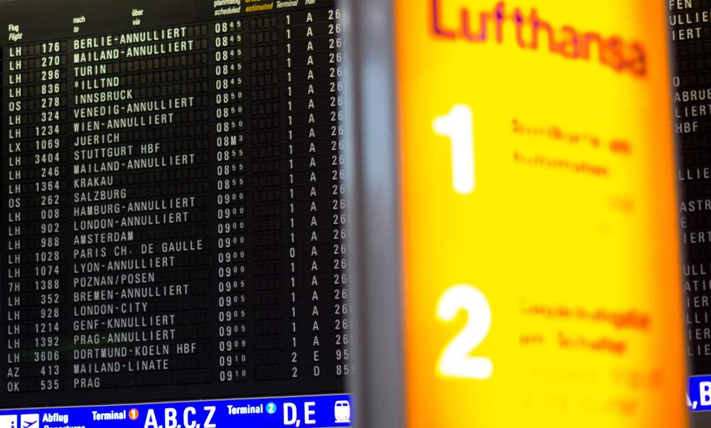 1.300 Lufthansa flights cancelled as court approves cabin crew strike