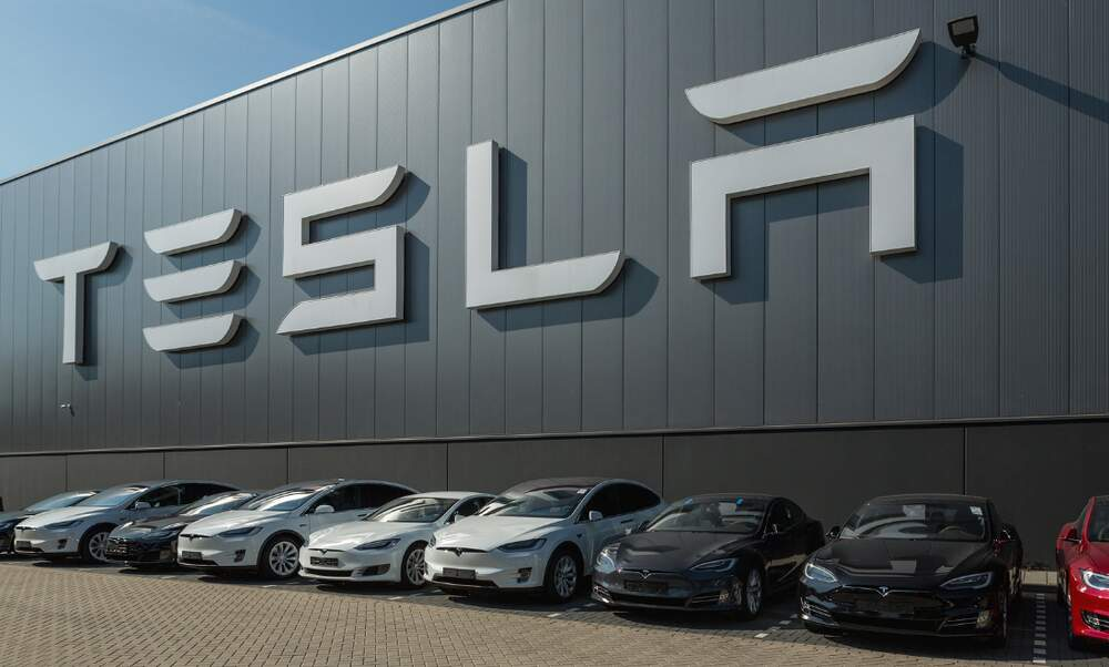 Tesla to build new car factory near Berlin - up to 10.000 new jobs