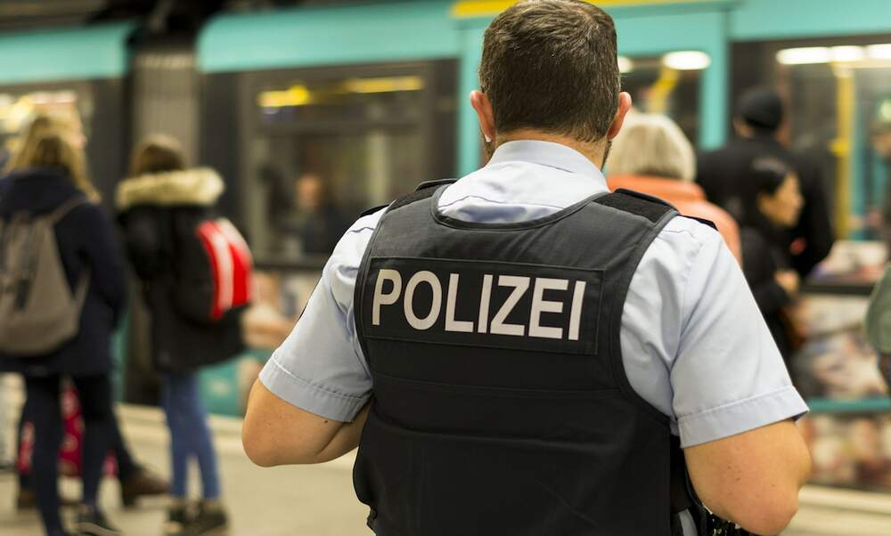 German authorities identify 43 right-wing extremist threats