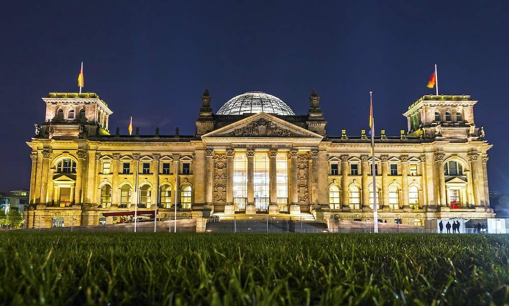 Protestors gather in Berlin and try to storm the Reichstag