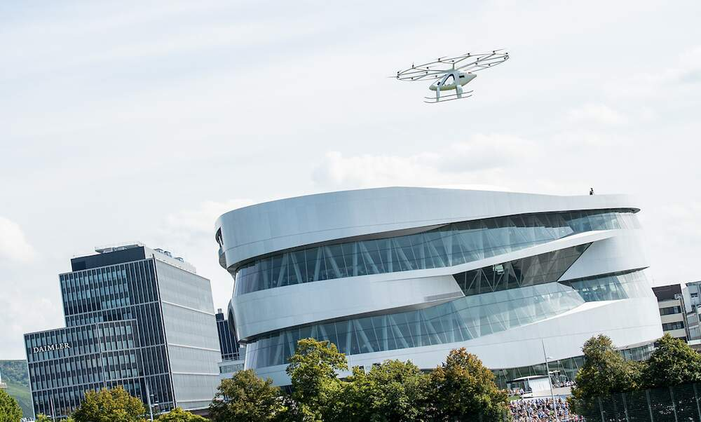 "Stuttgart's new ""flying taxi"" takes to the skies"