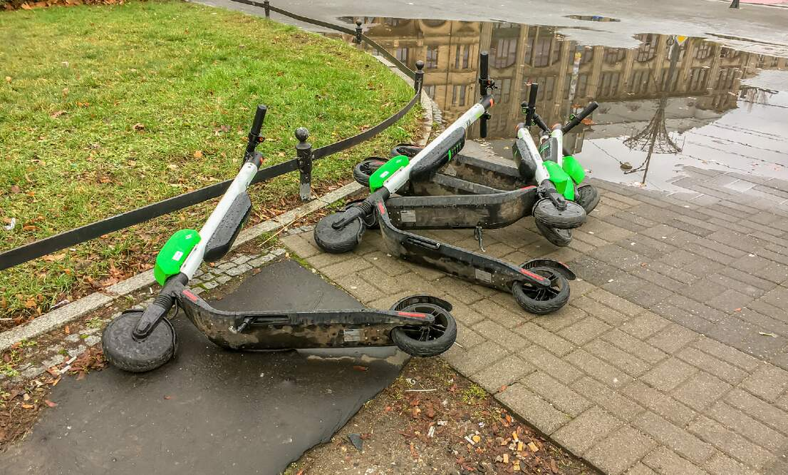 More than 500 e-scooters lying on the bottom of the Rhine in Cologne