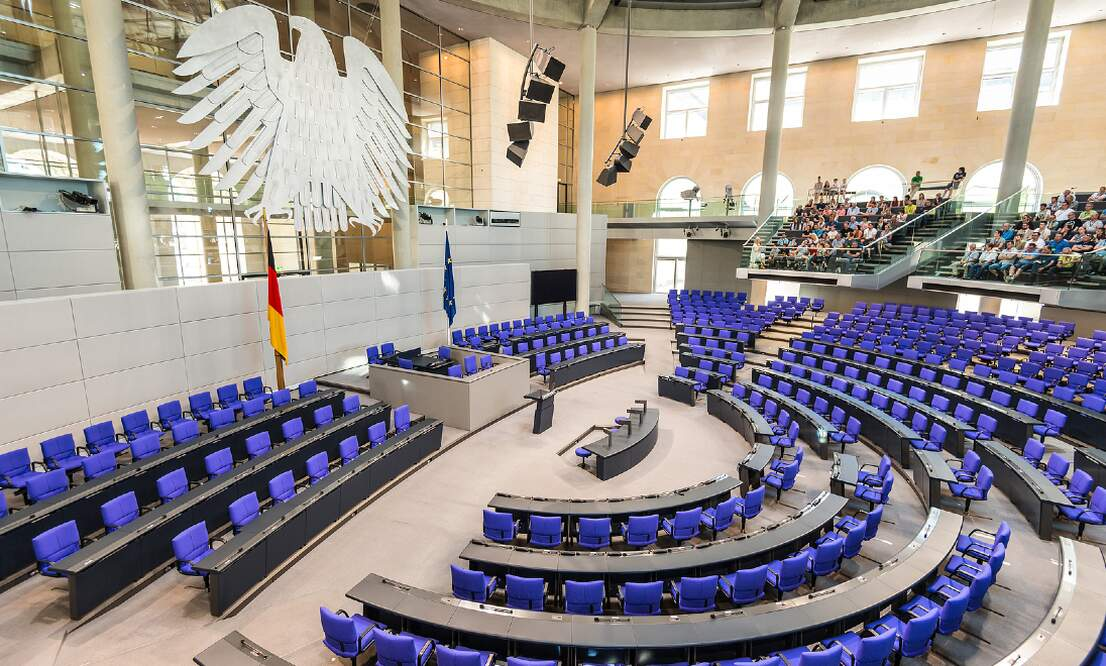 Bundestag approves law exempting vaccinated people from numerous restrictions