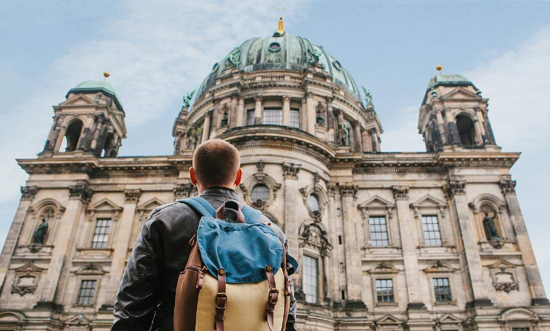Share your experience of life in Germany with the Expats & Spouses Monitor