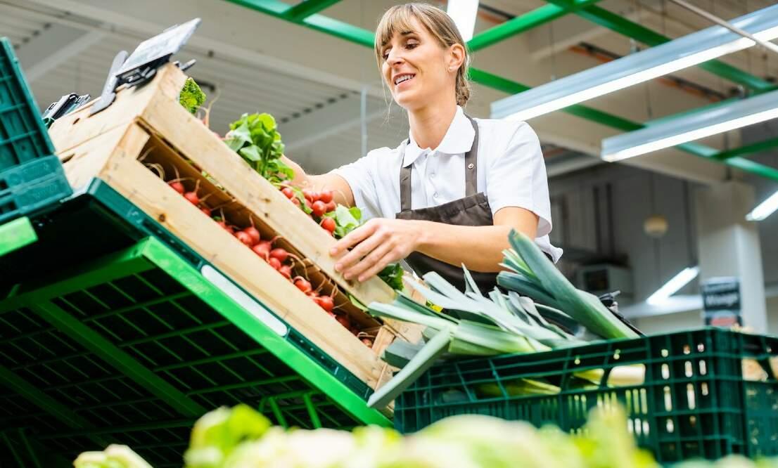 Coronavirus: German supermarkets to pay their workers bonuses