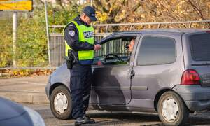 Germany tightens controls on Austrian border after Vienna attack