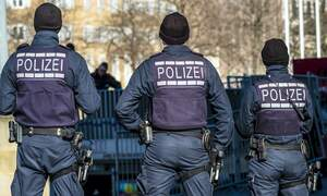 Hundreds take part in riots and looting in Stuttgart