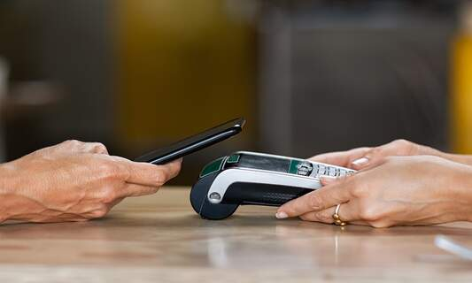 Apple Pay is now available at over 370 banks in Germany