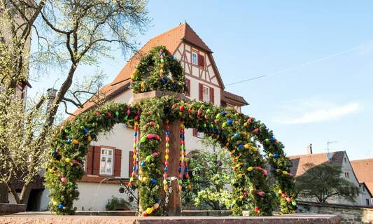 Easter fountains: A colourful Franconian tradition