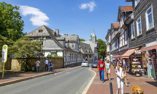 Two German districts reach zero-COVID status as infection rate drops nationwide