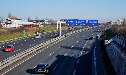 Traffic jams declined significantly in Germany over the past year
