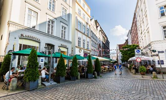 Outdoor drinking and dining to resume in Hamburg after COVID cases drop