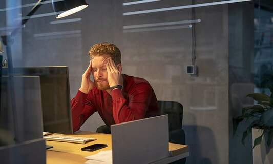 WHO: Working long hours poses a serious health problem
