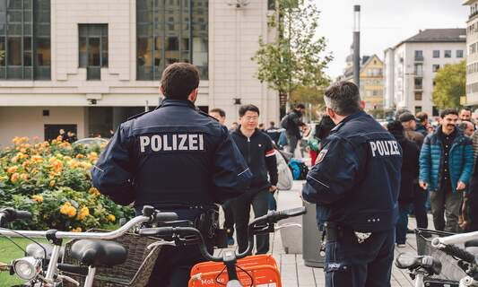 German police raid far-right group planning large-scale mosque attacks