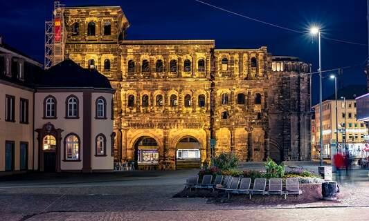 Trier: Driver rams through pedestrian area, killing five people