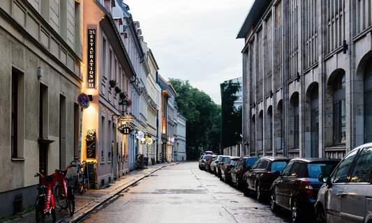 Berlin suspends lockdown relaxation as infection situation worsens