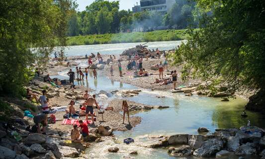 Topless sunbathing row: Munich changes nudity rules