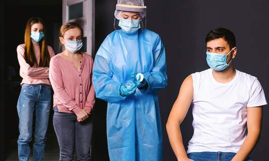 Low-income workers overlooked in Germany's vaccine programme