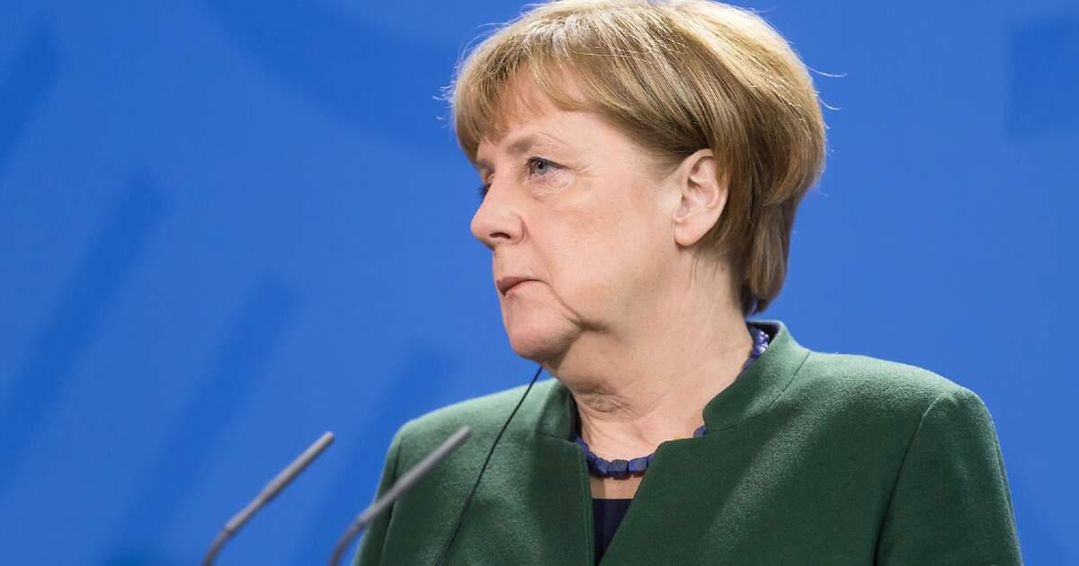 """""""We have very, very difficult months ahead of us,"""" Merkel warns"""