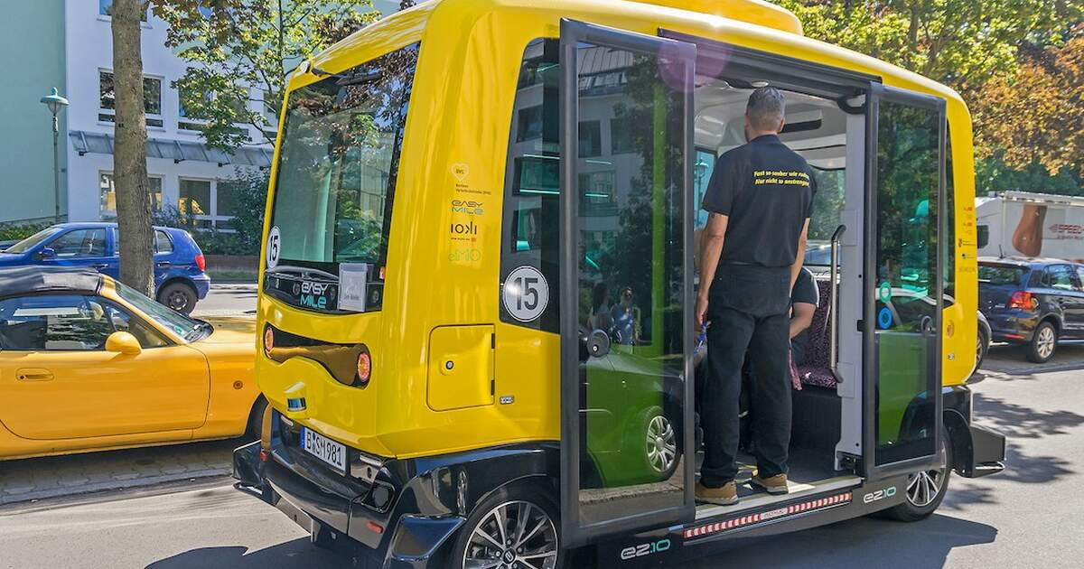 Berlin Senate planning on expanding yellow driverless bus routes