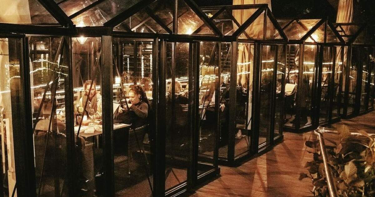 Hamburg restaurant opens private greenhouses for corona-proof dining