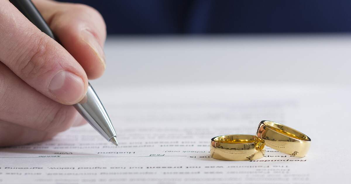 Number of divorces in Germany rises for first time since 2012