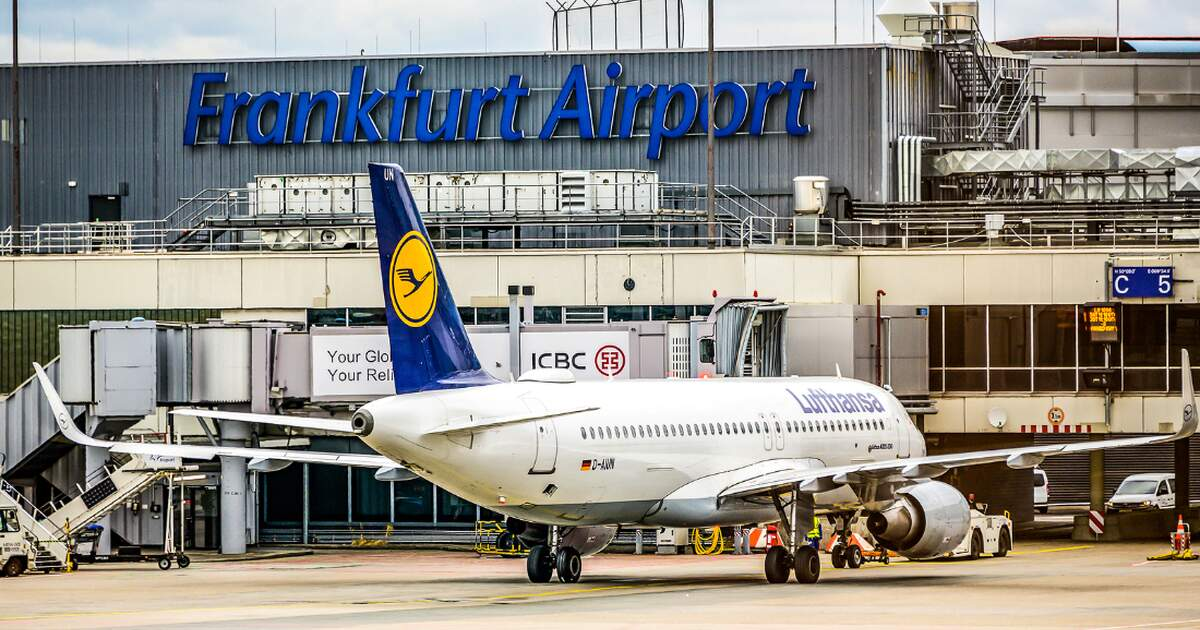 lufthansa cabin crew to strike at two of germany 39 s busiest airports. Black Bedroom Furniture Sets. Home Design Ideas